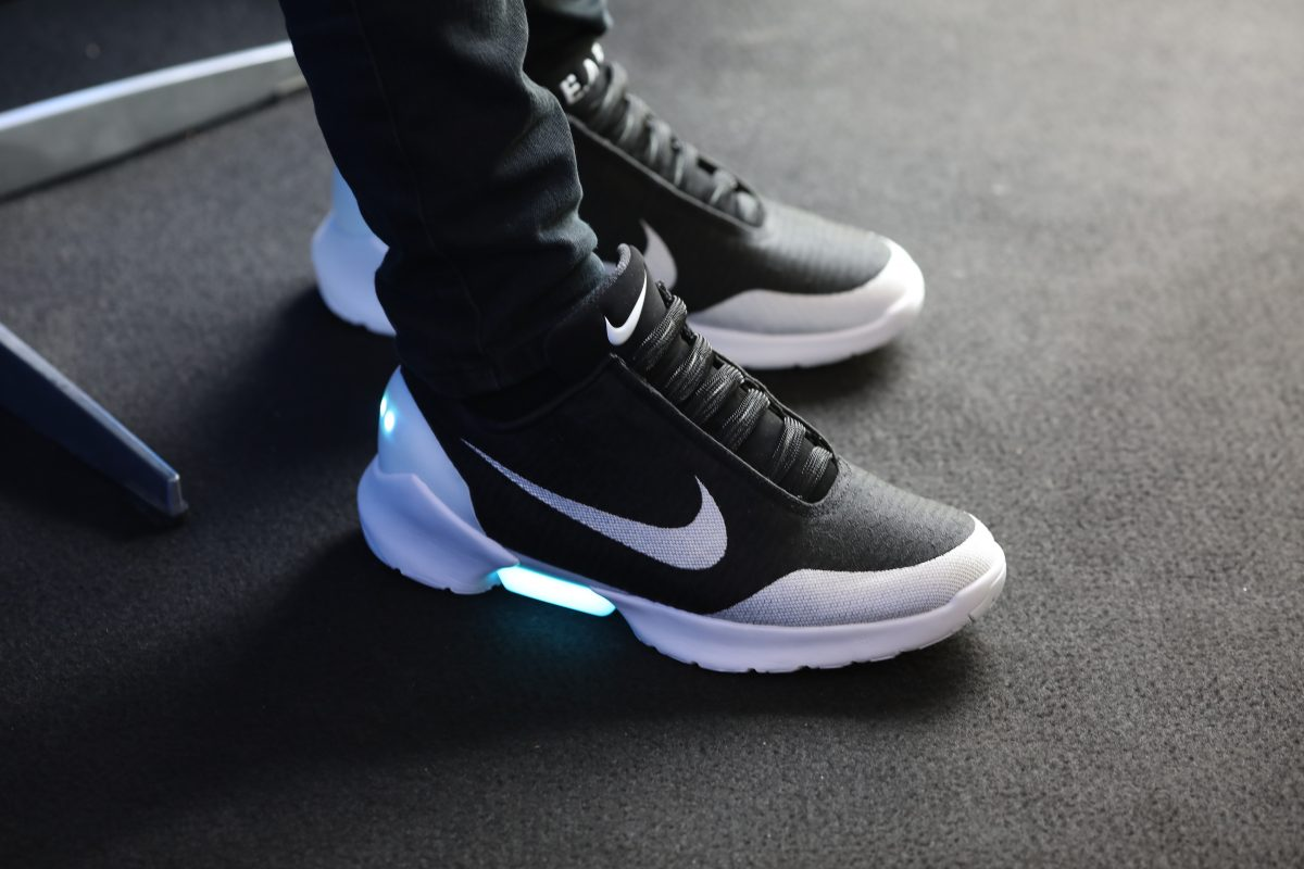 Review  Nike s Hyperadapt 1.0 is Back to the Future Rad – AUGUSTMAN.com 2ea76538a