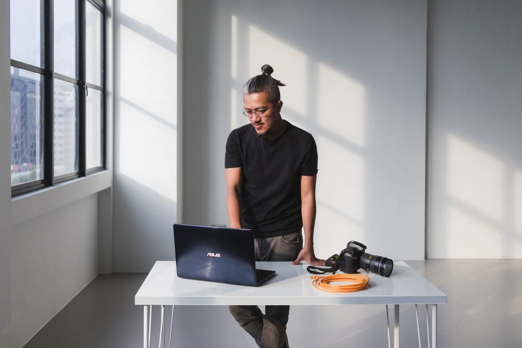 Elliot Lee with the Asus ZenBook Pro 15 (UX580)