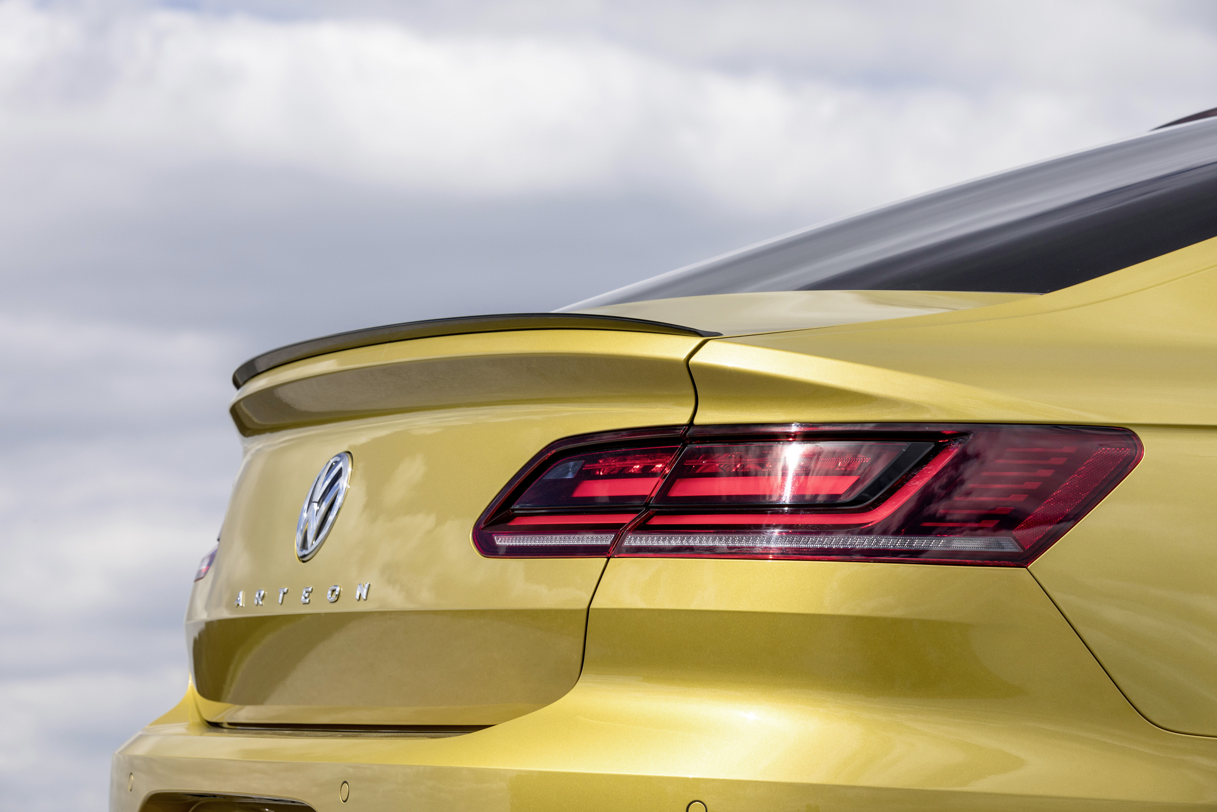 The subtle details of the Volkswagen Arteon R-Line