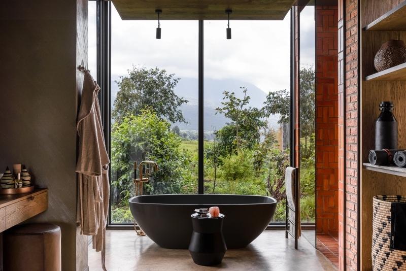 Private luxuries at Kwitonda Lodge