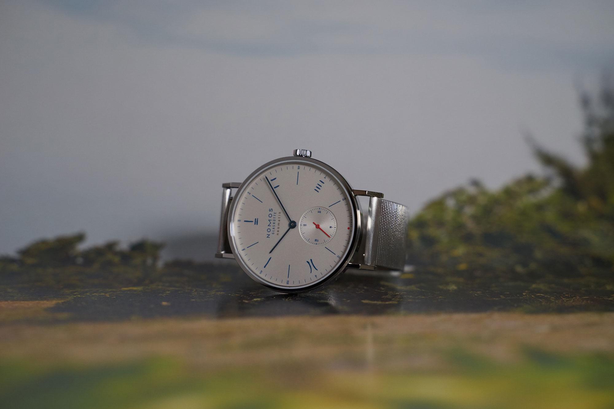 Nomos Glashütte Tangente Neomatik Red Dot Limited Edition: Silver