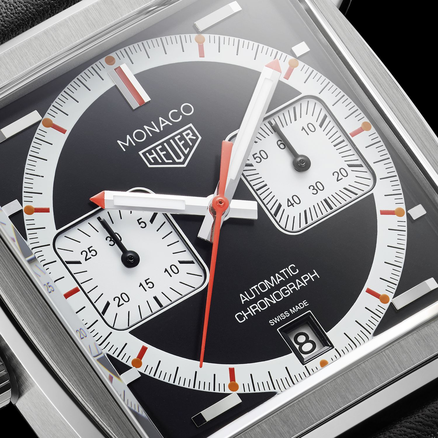The '99-'09 LE Monaco sports a classic reverse-panda dial for superior legibility