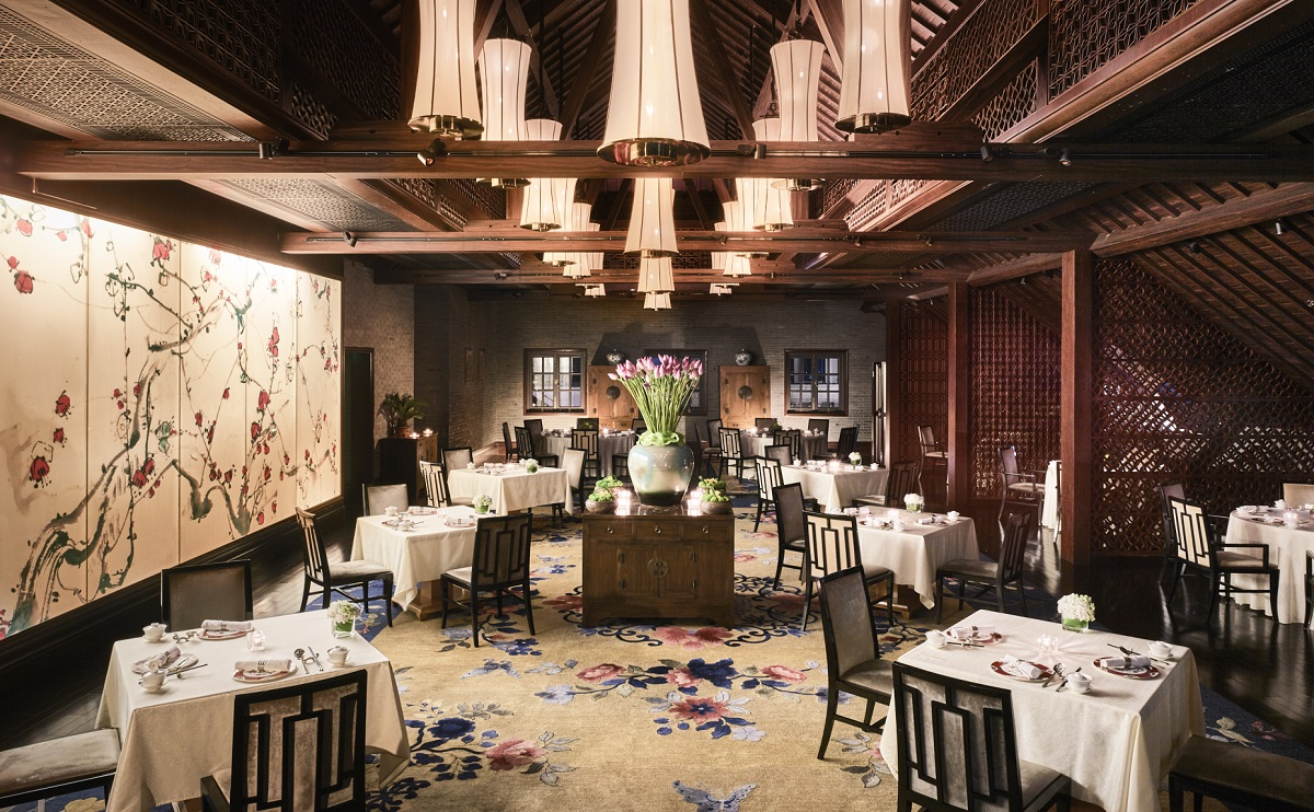 Shanghai: The interior of Wei Jing Ge.