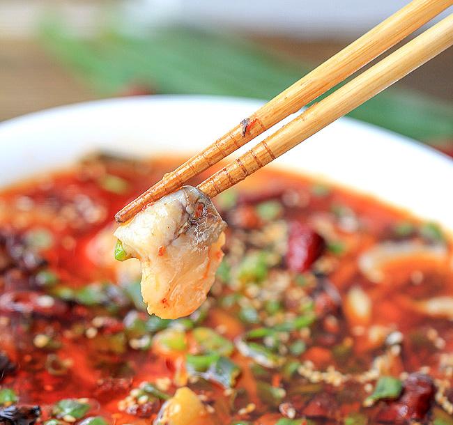 Chongqing: Dining at Cygnet Hotpot.
