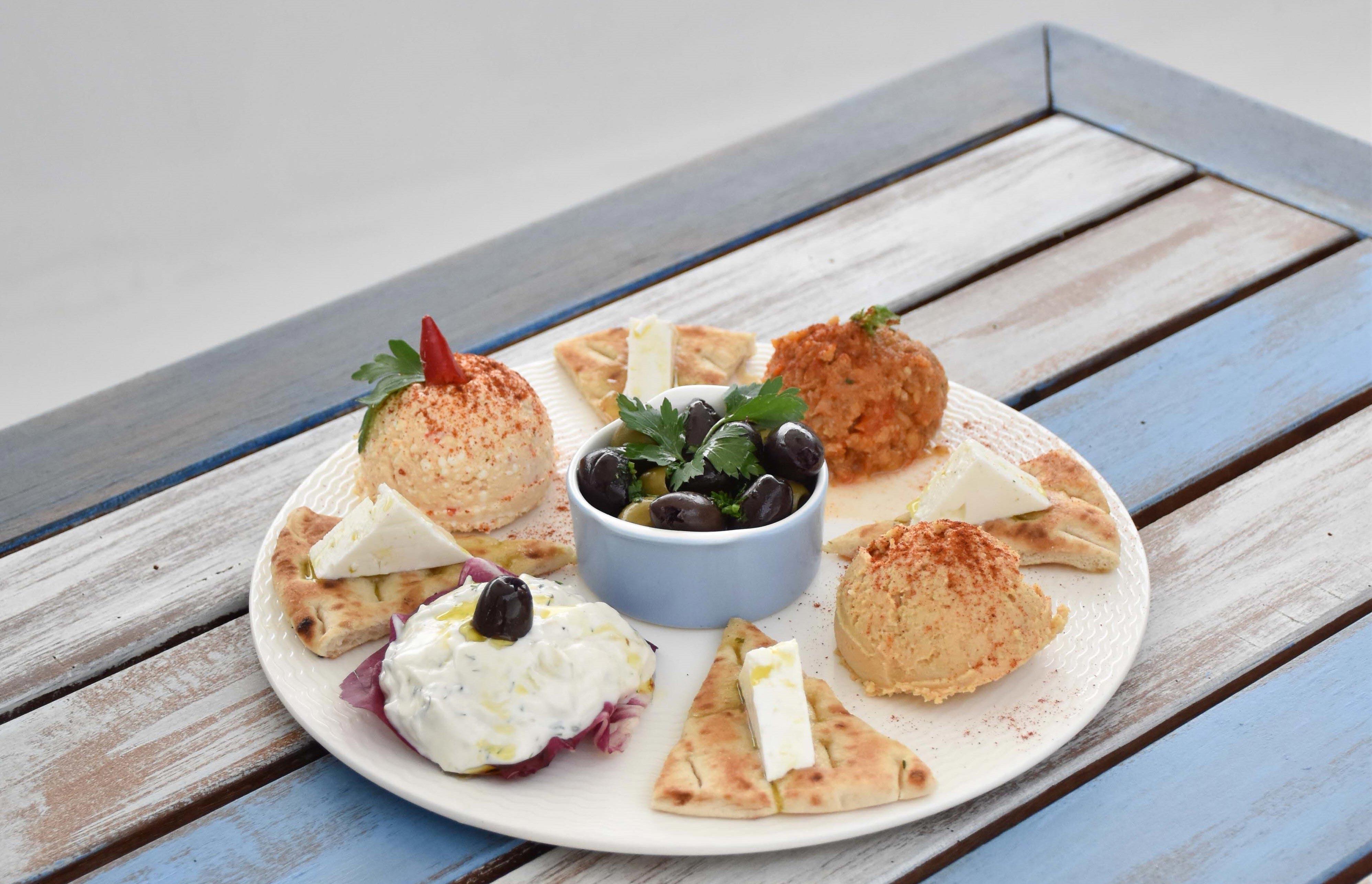 Zorba The Greek Taverna: Dips Platter
