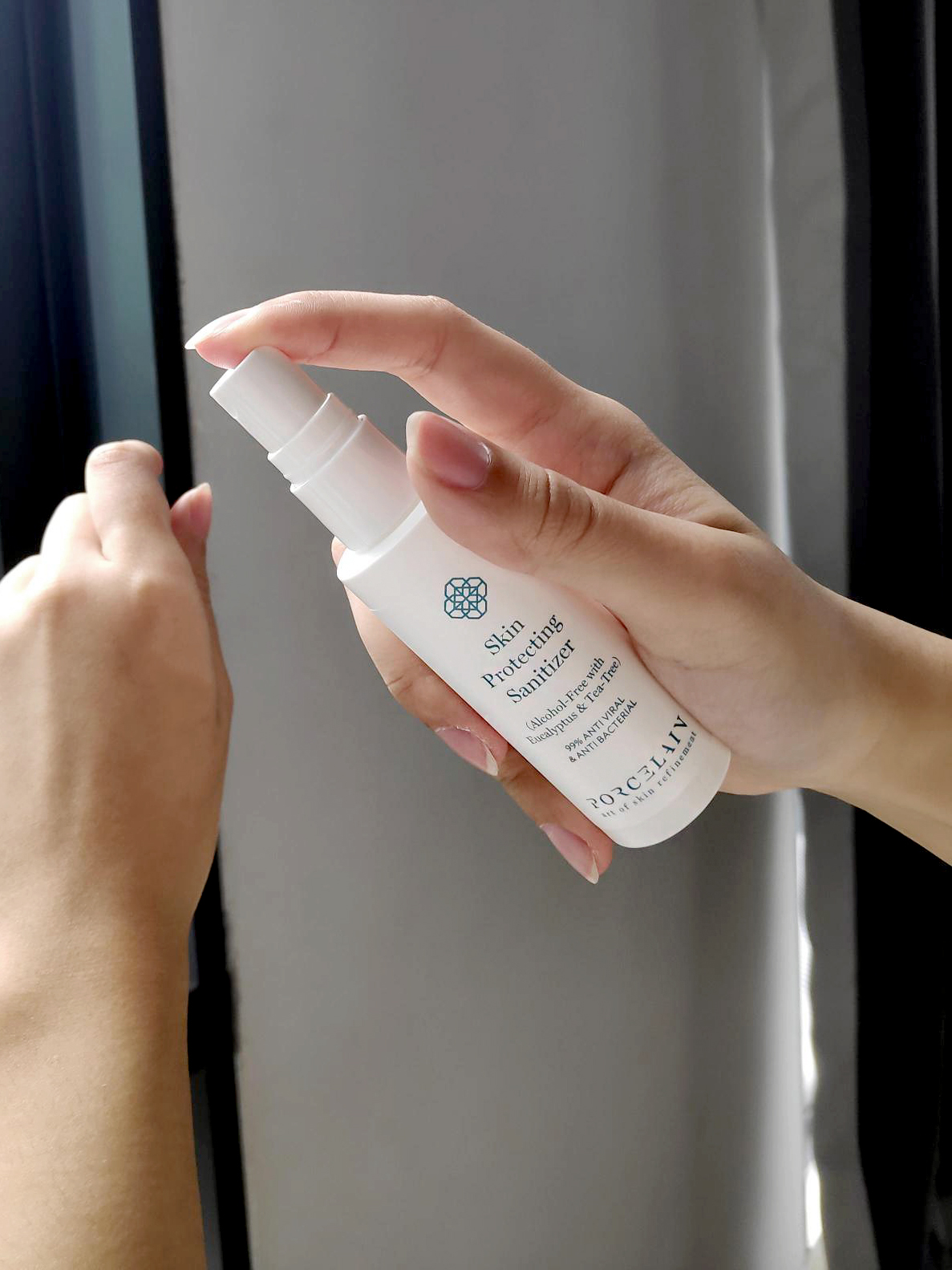 Porcelain's skin-protecting sanitizer
