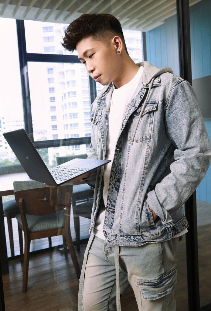 Huawei Matebook X Pro Johnathan Chua
