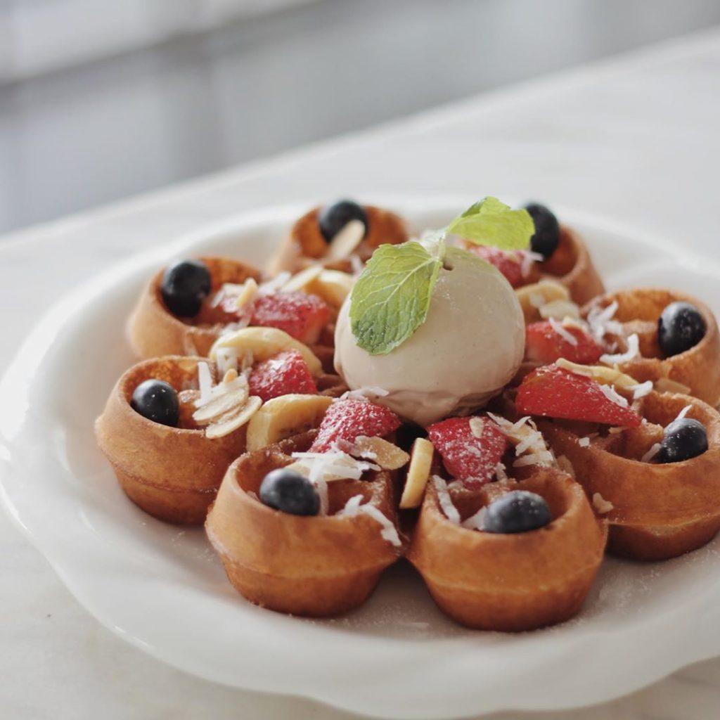 Owls Cafe waffle
