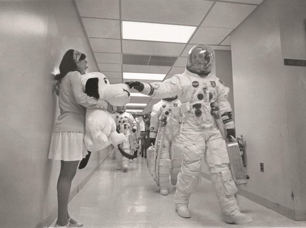 Omega Snoopy NASA