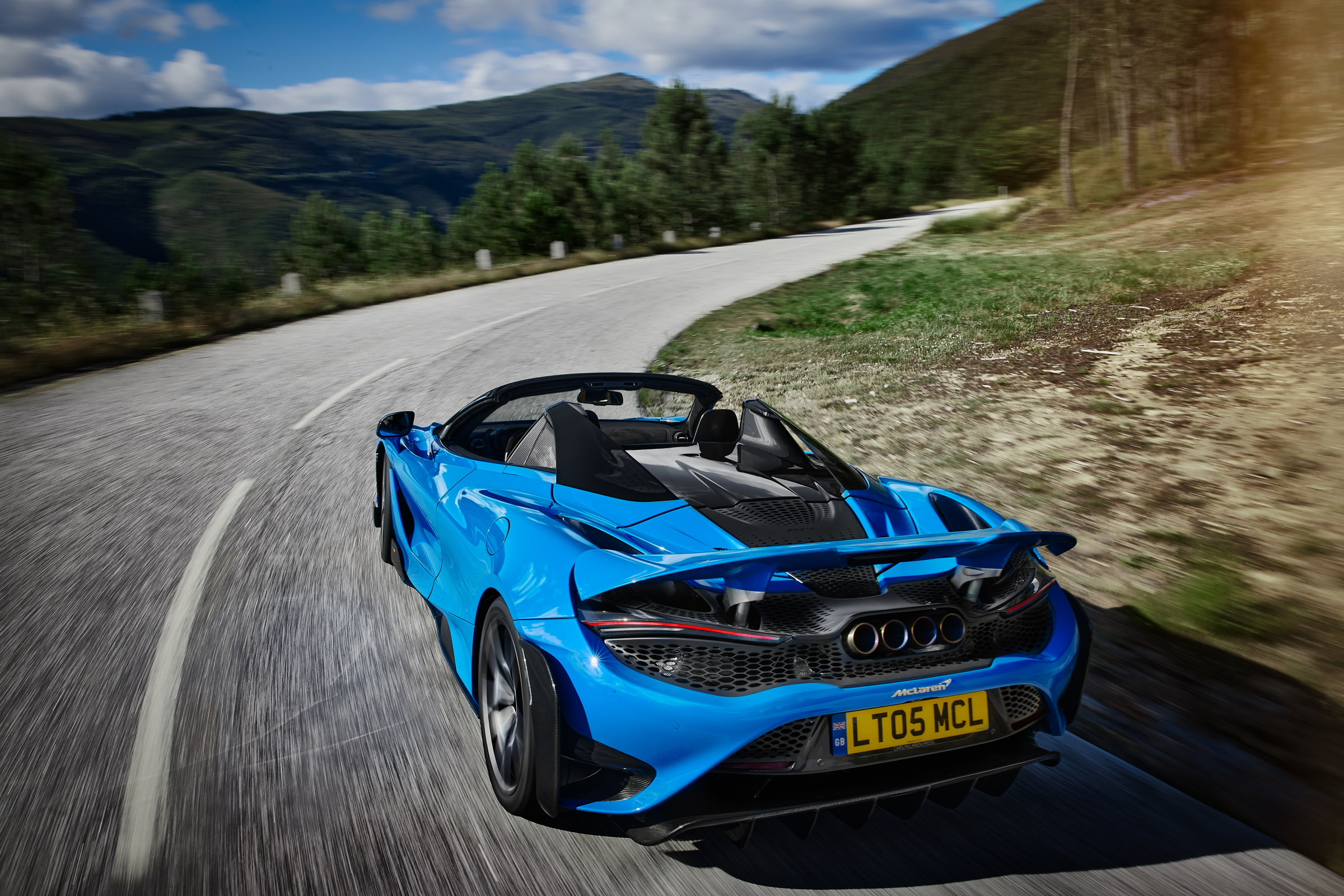 McLaren Has Just Revealed Its Powerful Convertible Supercar – The 765LT Spider