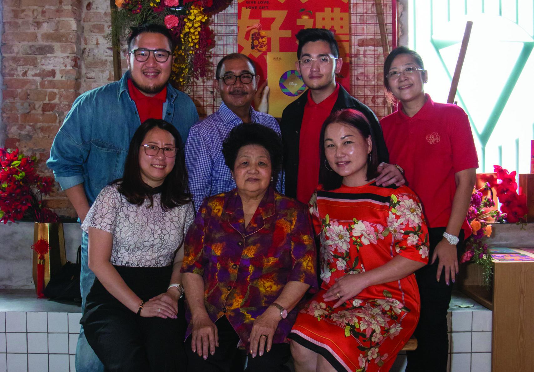 The Merdeka Retold Series: Sam And Peter Khue